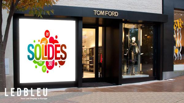 Ecran Tom Ford vitrine magasin Marseille