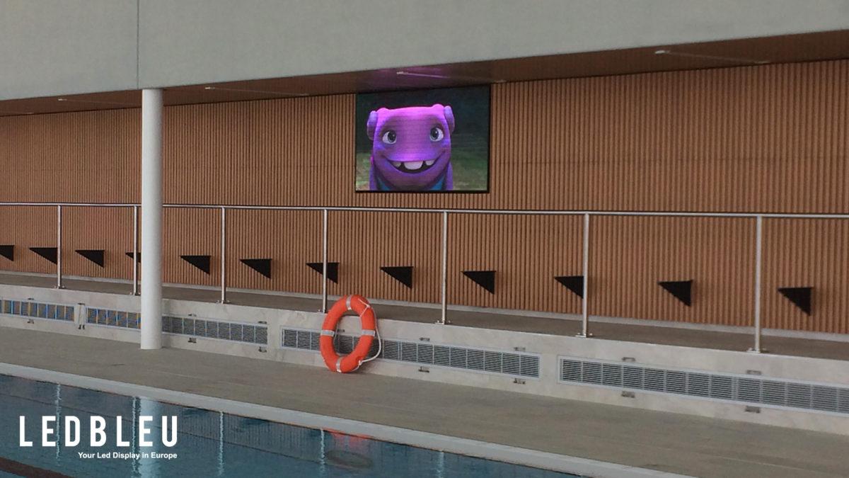 ecran-affichage-dynamique-piscine-saint-gilles-croix-de-vie-vendee