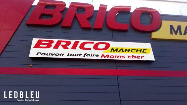 écran extérieur façade bricomarché Neufchateau France